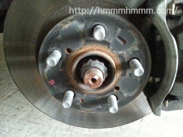 30プリウス-タイヤのボルト