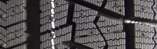 スタッドレスタイヤのパターン