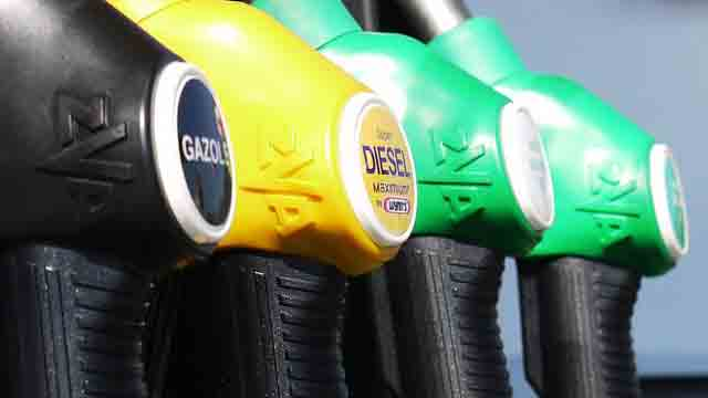 ガソリンスタンドのノズル