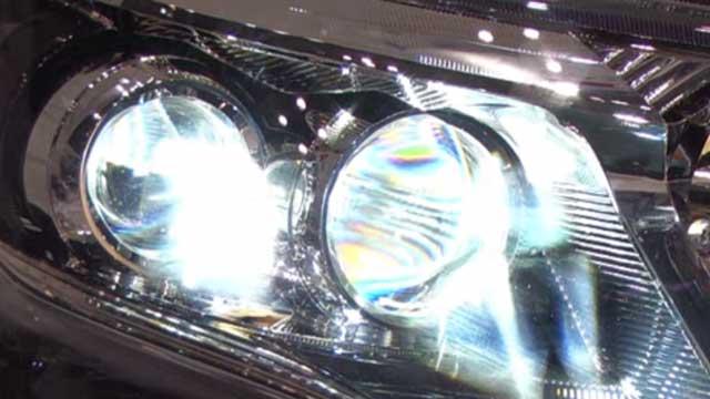 車のLEDヘッドライト