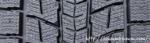 スタッドレスタイヤのパターン(細かな切り込み)
