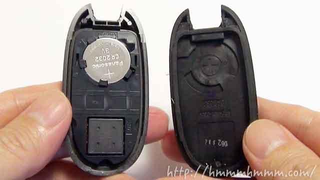 マツダ製スマートキーの電池交換-カバーを開けたところ