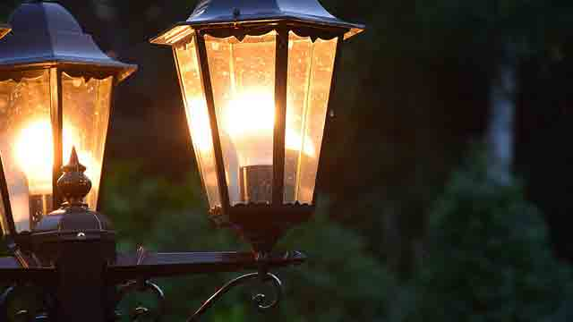 街灯で使われている水銀灯